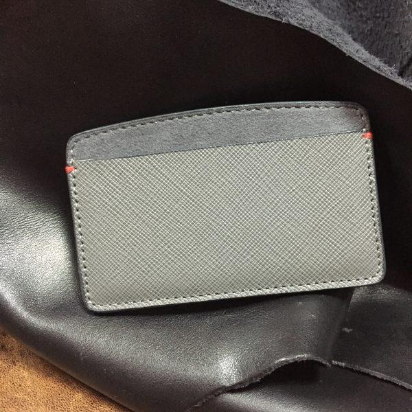 Grey saffiano leather cardholder with alcantara lining